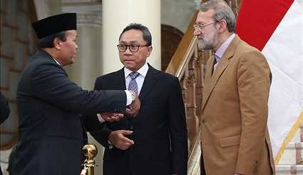 Larijani receives Indonesia's MPR head