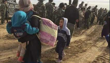 Iraqi Shia Fighter Rescued Hundreds Civilians from ISIS near Tal Afar