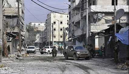 Syrian Government Forces Safely Evacuate Civilians from Danger Zone in Aleppo