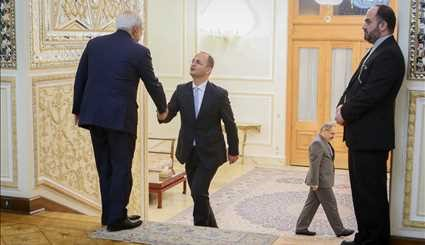 Zarif meets with Albanian counterpart
