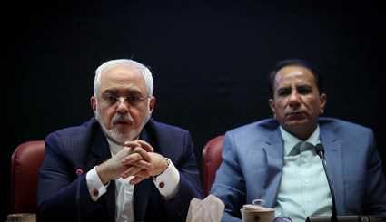 Zarif attends 22nd session of TCCIM