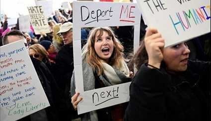 Demonstrators across Globe Gather to Protest Trump's Immigration Order