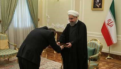 Foreign ambs. submit credentials to Pres. Rouhani