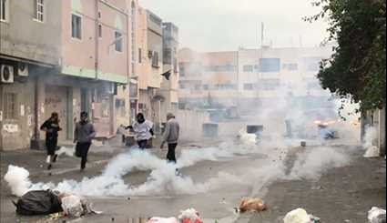 Bahraini Police Use Tear Gas to Break up Protests