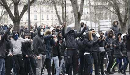 Police Clash with Demonstrators During Anti-Brutality Protest in Paris