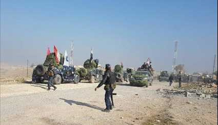 Iraqi Federal Police Forces Enter District in Western Mosul