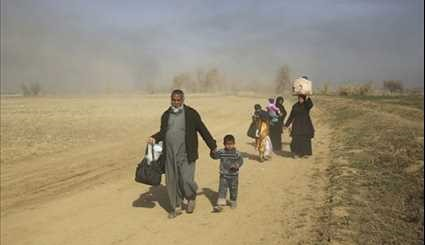 Iraq: Thousands of Civilians Flee Western Mosul