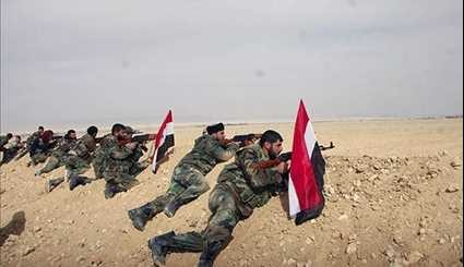 Syrian Army Soldiers Take Position near Palmyra