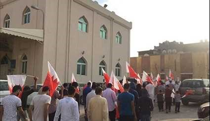 Bahrainis Rally for Sheikh Issa Qassim