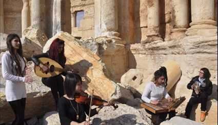 In Palmyra, Syrian Musicians Sing of Return