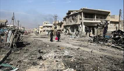 Civilians Run from Entrapped Terrorists in Mosul as Iraqi Forces Advance
