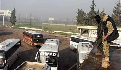 First Convoy of Buses Evacuate Gunmen from Towns in Western Damascus