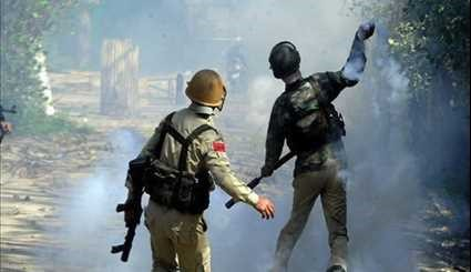 Kashmir Unrest: Protesting Students Clash with Police