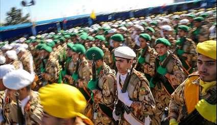 Iran Marks Army Day with Parade