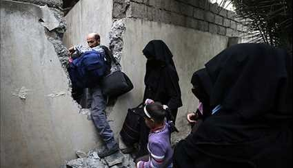 Thousands of Iraqis Displaced in Mosul Offensive