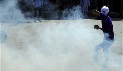 Students Continue Protests in Kashmir