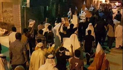 Bahrainis Rally in Support of Sheikh Qassim