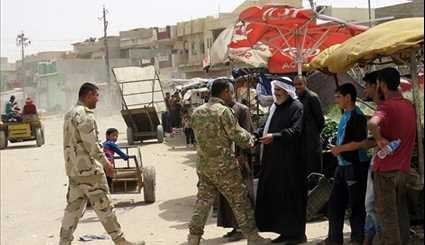 Displaced Iraqi Civilians Begin to Return Home in Western Mosul