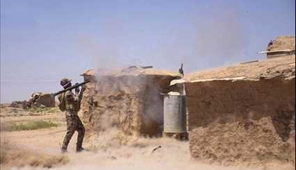 Iraqi Popular Forces Lay Siege on ISIL in Qairawan