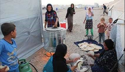 Iraqis' Lives inside Hassansham U2 Camp during Ramadan