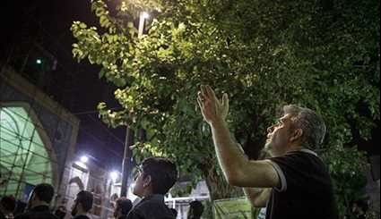 Iranians Pray, Hold Vigils on Night of Destiny