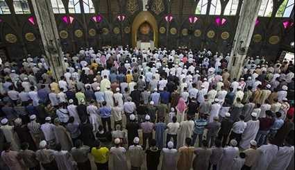 World Muslims Celebrate Eid al-Fitr