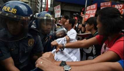 Activists Demanding End of US Intervention Protest near Its Embassy in Manila