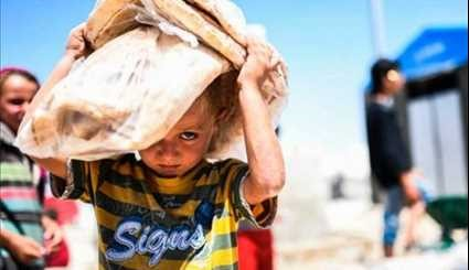 UN Official: Traumatized Civilians Fleeing Syria's Raqqa in Droves