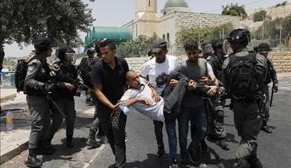 Palestinians Protest against New Israeli Security Measures at Al-Aqsa Mosque Compound (2)