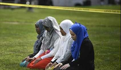 Muslims Gather to Worship outside Minnesota Mosque after Firebomb Attack