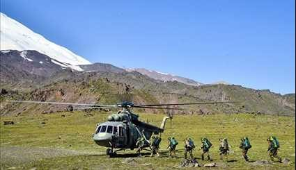 Russia: Iran's Elbrus Ring Competitors Perform Highland March, Wounded Evacuation Mission