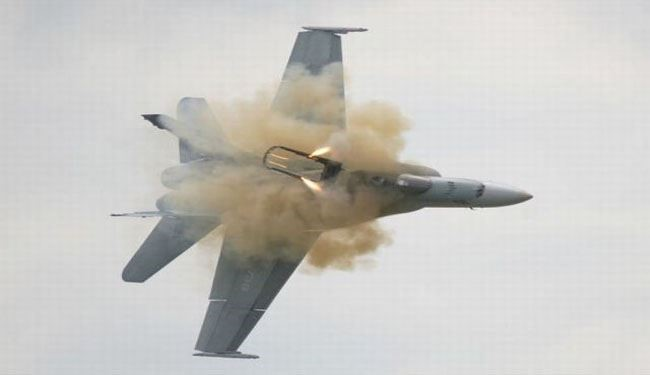 Emirati fighter jet crashes