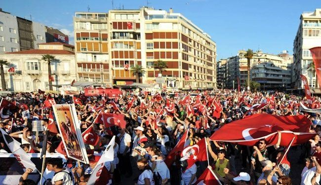 Turkey threatens to deploy army to end unrest