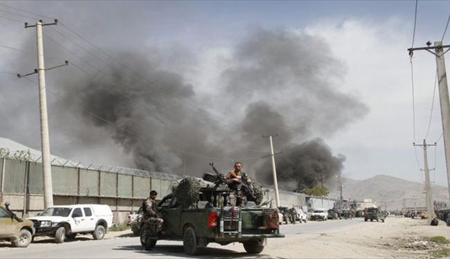 Taliban attack Afghan presidential palace