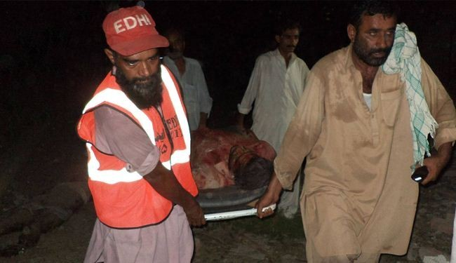 Over a dozen killed in Pakistan car bombing