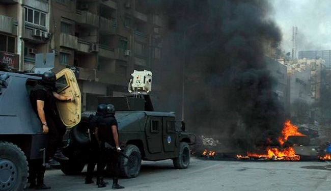 Car bomb hits Egypt army intelligence building