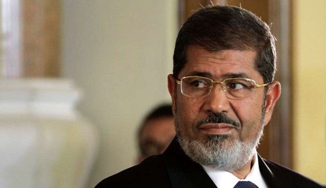 Egypt's Morsi in court to face 'murder charges'