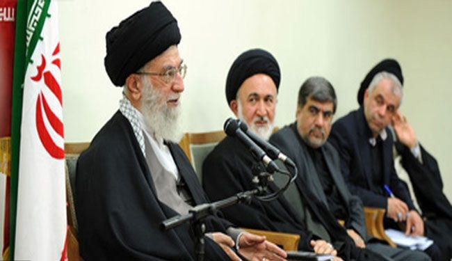 Leader warns against sectarian divide