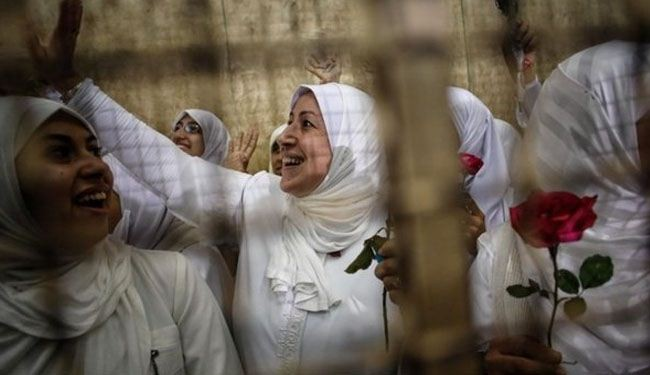 Egypt court frees 21 female pro-Morsi protesters