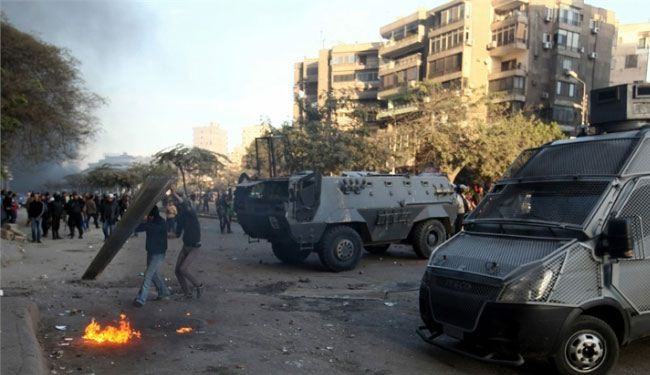 Egyptian police, students clash anew at al-Azhar U