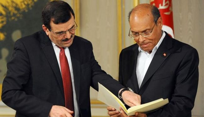 Tunisia PM resigns to make way for interim gov't