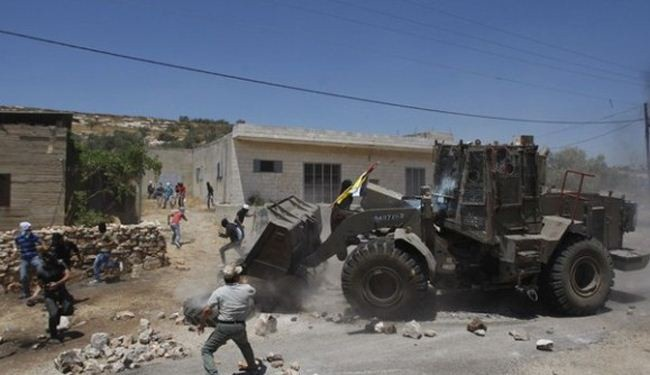 Israeli forces wipe Palestinian village off the ground
