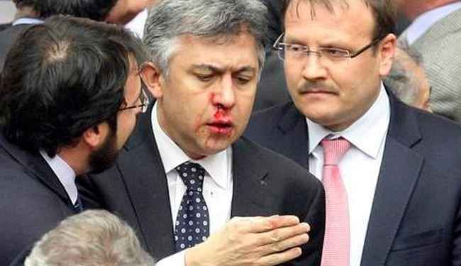 Parliament session sends Turkish MPs to hospital