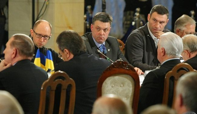 Ukraine government, opposition agree truce