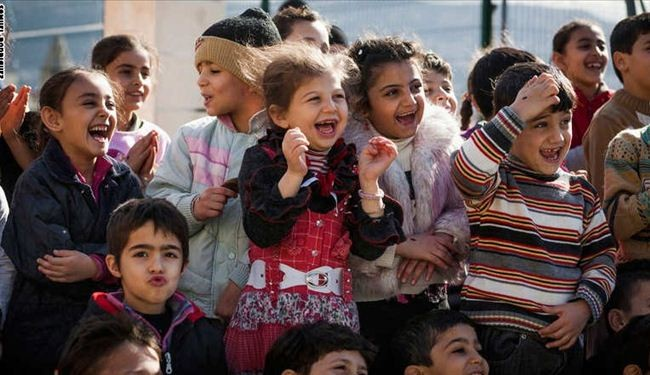 Clowns without Borders bring joy to Syrian kids