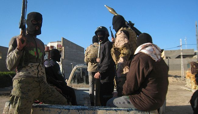 ISIL terrorists return to Yarmouk, abuse Palestinians
