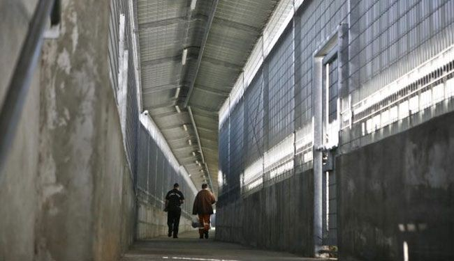 Israeli regime holds thousands in its prisons
