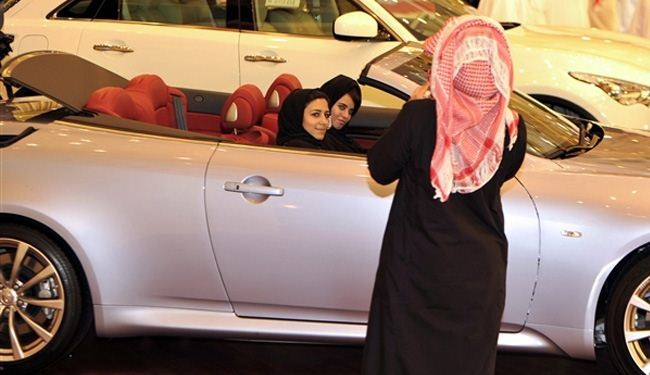 Saudi women renew push for right to drive ahead of Obama visit