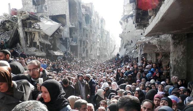 Thousands trapped in Syria's Yarmouk camp amid violence