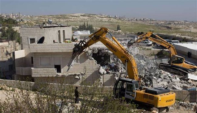Israel demolishes Palestinian structures in East al-Quds